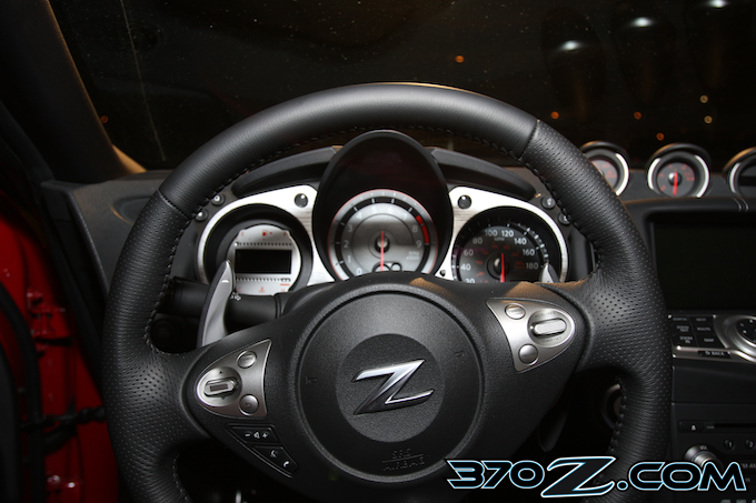 370Z 7-Speed auto paddle shifters