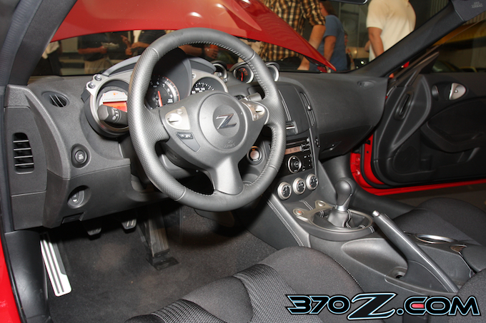370Z 6-speed interior